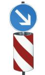 Verkehrsleits&auml;ule, zylindrisch-elliptische Form (Ausf&uuml;hrung: linksweisend, R&uuml;ckseite grau,<br>Folie Typ 2 (Art.Nr.: 34944))