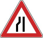 Verkehrszeichen StVO, Einseitig verengte Fahrbahn, Verengung links Nr. 121-20 (Seitenl&auml;nge/Folie/Form:  <b>630mm</b>/RA1/Flachform 2mm (Art.Nr.: 121-20-111))