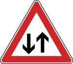 Verkehrszeichen StVO, Gegenverkehr Nr. 125 (Seitenl&auml;nge/Folie/Form:  <b>630mm</b>/RA1/Flachform 2mm (Art.Nr.: 125-111))