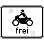 Verkehrszeichen StVO, Kraftr&auml;der, auch mit Beiwagen, Kleinkraftr&auml;der und Mofas frei Nr. 1022-12 (Ma&szlig;e/Folie/Form:  <b>315x420mm</b>/RA1/Flachform 2mm (Art.Nr.: 1022-12-111))