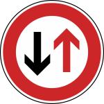 Verkehrszeichen StVO, Vorrang des Gegenverkehrs Nr. 208 (Durchmesser/Folie/Form:  <b>420mm</b>/RA1/Flachform 2mm (Art.Nr.: 208-111))