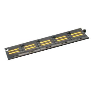 Bordsteinrampe -Segnod-, Vollgummi, gelbe Reflexstreifen, LKW-geeignet (Ausführung: Bordsteinrampe -Segnod-, Vollgummi, gelbe Reflexstreifen, LKW-geeignet (Art.Nr.: 37561))