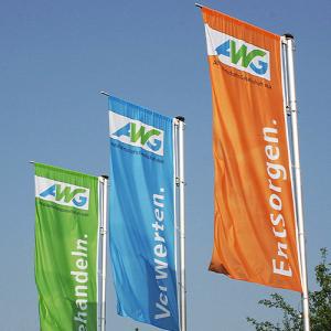 Flagge individuell bedruckt, Hochformat, Stoffqualität FlagTop 110 g / m² oder 160 g / m² (Maße (LxB)/Konfektionierung/Stoffqualität:  <b>200 x 80 cm</b><br>mit Kunststoff-Karabiner<br>FlagTop  <b>110 g/m²</b><br>für Fahn