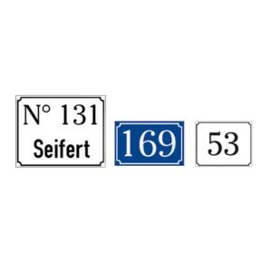 Hausnummernschilder aus Aluminium, mit Antiqua-Rand, geprägt, weiß / schwarz oder blau / weiß (Farbe/Maße(BxH)/Zeichen: weiß-schwarz/ 150 x 120 mm<br>max. 2 Zeichen (Art.Nr.: 11.5314))
