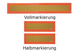 Heckmarkierungen Hart-Aluminium oder Hochreflexfolie, ECE 70, f. Anhänger o. Auflieger (Modell/Maße (HxB)/Stärke/Stückanzahl:  <b>Vollmarkierung starr<br>mit Kunststoff-Fassung</b><br>seitlich 10 mm abgekantet<br>197 x 1132 mm / Hart-A