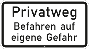 Hinweis zur Grundbesitzkennzeichnung Nr. 2823, Privatweg, Befahren auf eigene Gefahr (Maße/Folie/Form:  <b>231x420mm</b>/RA1/Flachform 2mm (Art.Nr.: 2823-111))