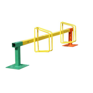 Kinderfahrradständer / Fahrradklemme -Valletta- (Einstellplätze/Länge/Befestigung/Farbgebung:  <b>2er/1000mm</b>/zum Aufdübeln<br>1x  <b>2er</b> Radh. RAL 3020 (rot)<br>2x Standpf. RAL 6024 (grün) (Art.Nr.: 15348))