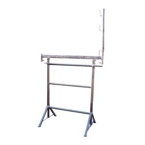 Kurbel-Gerüstbock K1500 / 3, Tragkraft 1600 kg, Breite 1,50 m, GS-geprüft, inkl. Geländerpfosten (Farbe: lackiert (Art.Nr.: 10130))