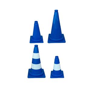 Leitkegel aus PVC, 320 oder 500 mm, wahlweise mit weißen Streifen, blau, tagesleuchtend (Höhe/Gewicht/Ausführung: 320 mm / 0,52 kg<br>ohne (Folien-)Streifen (Art.Nr.: 34962))