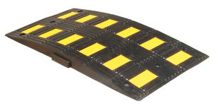 Temposchwelle -Rider- <,20 km / h, aus Recyclingmaterial, Überfahrlänge 900 mm, Höhe 75 mm (Modell/Breite/Farbe: Endstück  <b>mit Zapfen</b><br>450mm/schwarz (Art.Nr.: 18810))