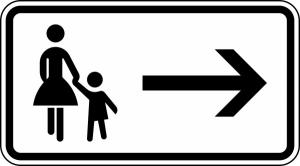 Verkehrszeichen 1000-22 StVO, Fußgänger Gehweg rechts gegenüber benutzen (Maße/Folie/Form:  <b>231x420 mm</b> / RA1 / Flachform 2 mm (Art.Nr.: 1000-22-111))