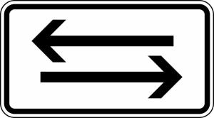 Verkehrszeichen 1000-30 StVO, Verkehr in beide Richtungen, zwei gegenger. waagerechte Pfeile (Maße/Folie/Form:  <b>231x420mm</b>/RA1/Flachform 2mm (Art.Nr.: 1000-30-111))