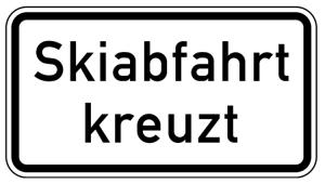 Verkehrszeichen 1007-55 StVO, Skiabfahrt kreuzt (Maße/Folie/Form:  <b>231x420mm</b>/RA1/Flachform 2mm (Art.Nr.: 1007-55-111))