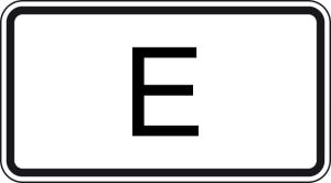 Verkehrszeichen 1014-53 StVO, Tunnelkategorie   E   gemäß ADR-Übereinkommen (Maße/Folie/Form:  <b>231x420mm</b>/RA1/Flachform 2mm (Art.Nr.: 1014-53-111))