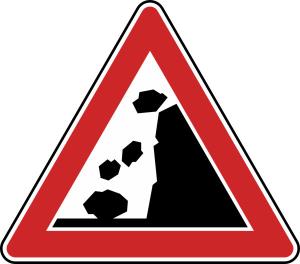 Verkehrszeichen 101-15 StVO, Steinschlag, Aufstellung rechts (Seitenlänge/Folie/Form:  <b>630mm</b>/RA1/Flachform 2mm (Art.Nr.: 101-15-111))