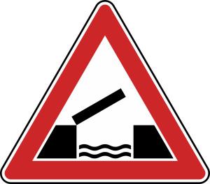 Verkehrszeichen 101-55 StVO, Bewegliche Brücke (Seitenlänge/Folie/Form:  <b>630mm</b>/RA1/Flachform 2mm (Art.Nr.: 101-55-111))