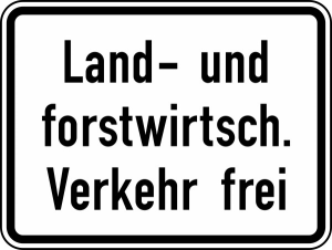 Verkehrszeichen 1026-38 StVO, Land- und forstwirtschaftlicher Verkehr frei (Maße/Folie/Form:  <b>315x420 mm</b> / RA1 / Flachform 2 mm (Art.Nr.: 1026-38-111))