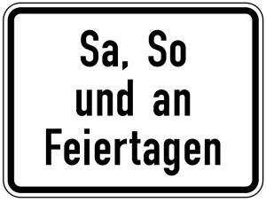Verkehrszeichen 1042-52 StVO, Sa, So und an Feiertagen (Maße/Folie/Form:  <b>315x420mm</b>/RA1/Flachform 2mm (Art.Nr.: 1042-52-111))