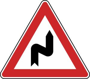 Verkehrszeichen 105-20 StVO, Doppelkurve (zunächst rechts) (Seitenlänge/Folie/Form:  <b>630mm</b>/RA1/Flachform 2mm (Art.Nr.: 105-20-111))