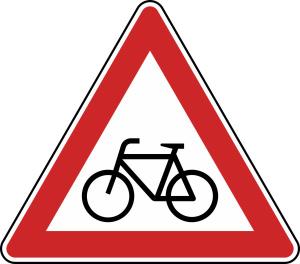 Verkehrszeichen 138-10 StVO, Radverkehr, Aufstellung rechts (Seitenlänge/Folie/Form:  <b>630 mm</b> / RA1 / Flachform 2 mm (Art.Nr.: 138-10-111))