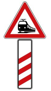 Verkehrszeichen 156-10 StVO, Bahnübergang mit dreistreifiger Bake (Aufstellung rechts) (Seitenlänge Gefahrenzeichen/Form/Folie:  <b>630 mm</b>/Flachform/2mm/RA1 (Art.Nr.: 156-10-111))