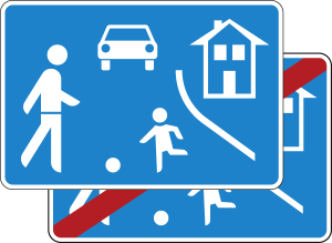 Verkehrszeichen 325.1-40 StVO, Verkehrsberuhigter Bereich, doppelseitig (Maße/Folie/Form:  <b>420x630mm</b>/RA1/Flachform 2mm (Art.Nr.: 325.1-40-111))