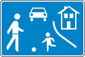 Verkehrszeichen 325.1 StVO, Beginn eines verkehrsberuhigten Bereichs, einseitig (Maße/Folie/Form:  <b>420x630 mm</b> / RA1 / Flachform 2 mm (Art.Nr.: 325.1-111))