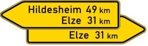 Verkehrszeichen 418-40 StVO, Pfeilwegweiser auf sonstigen Straßen, doppelseitig, Höhe 350 mm, Schrifthöhe 105 mm, einzeilig (Länge/Folie/Form:  <b>1250mm</b>/RA1/Flachform 2mm (Art.Nr.: 418-40-1-111))