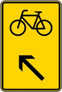 Verkehrszeichen 422-17 StVO, Wegweiser für Radverkehr links einordnen (Maße/Folie/Form:  <b>630x420mm</b>/RA1/Flachform 2mm (Art.Nr.: 422-17-111))