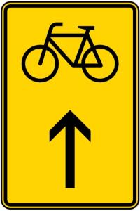 Verkehrszeichen 422-36 StVO, Wegweiser für Radverkehr geradeaus (Maße/Folie/Form:  <b>630x420mm</b>/RA1/Flachform 2mm (Art.Nr.: 422-36-111))