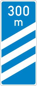 Verkehrszeichen 450-52 StVO, Ankündigungsbake, dreistreifig (Form/Folie: Flachform 3mm/RA1 (Art.Nr.: 450-52-113))