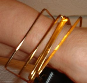 ausgefallene Armreifen goldfarbig Modeschmuck