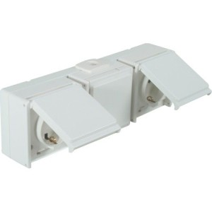 Schutzkontaktsteckdose, 3-fach waagerecht,reinweiß, IP54