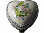 Pillendose Porzellan Frühlingsblumen mit Miniatur-Spieluhr