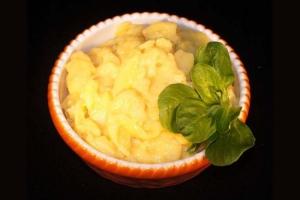 Hausgemachter Kartoffelsalat (Kartoffelsalat: Badischer Kartoffelsalat 1,0kg)