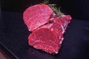 Rinderfilet vom Hohenlohener Weiderind (Rinderfilet vom Hohenlohener Weiderind - Rindfleisch der Spitzenklasse: ca.250 g)