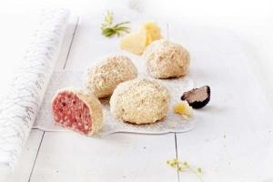Saltufo – Salami-Feinkost mit Trüffel und Parmigiano Reggiano (Saltufo - Salamikugel mit Sommertrüffeln - umhüllt mit Parmigiano Reggiano: 1 Stück ca. 90 g)
