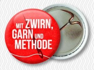 strickimicki - fröhlich, freche Buttons rund ums Handarbeiten (Spruch: 2 rechts, 2 links)
