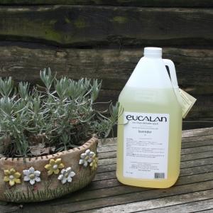 Eucalan pflegendes Feinwaschmittel  4000ml Kanister (Duft: Lavendel)