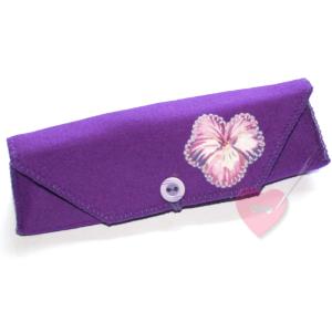Wollfilzmapperl Viola  mit Veilchenapplikation- für Brille, Stifte oder Stricknadeln