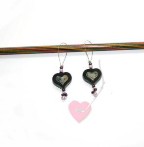 Handgefertigte Maschenmarkierer Herz schwarz-lila