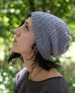 Rosy Green Wool Anleitung - Mütze Pebbels von Woolly Wormhead
