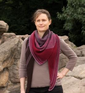 Rosy Green Wool Anleitung - Tuch Drachenfels von Melanie Berg