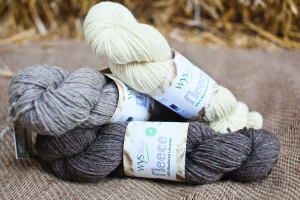 WYS Fleece  Bluefaced Leicester DK - Natural Collection (Farbe: Ecru)