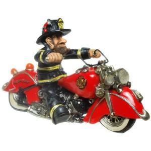 Feuerwehrmann auf Motorrad