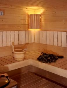 Sauna-Ecklampe (Sauna-Ecklampe: Eckleuchte nur Ersatzholzschirm)