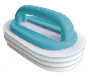 Handbürste mit austauschbaren Reinigungspads von Bayrol