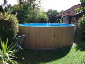 Rundbecken FUN WOOD von Future Pool, der  exlusive Schwimmspaß (Rundbecken FUN WOOD: 320 x 120 cm, 10 m³)