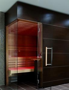Elementsauna Excellent, Innenverkleidung Hemlock, Tiefe 258 cm (Maßangaben in T 258 x B: 258 x 154 cm mit Safor 7,5 kW)