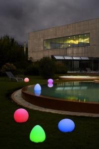 LED Leuchte Starlight, Dekoration für Pool und Garten (LED Leuchten Starlight: Altair, eierförmig, 32 x 29 cm)